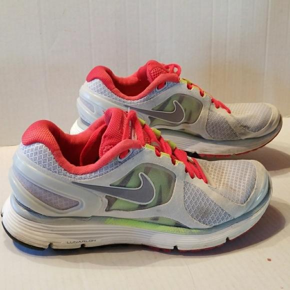 776d2666d464 Nike Lunar eclipse 2 women s shoes size 8. M 5aa132a8b7f72b47bb500407